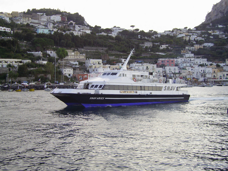 2007 - SNAV ARIES departing from Capri.