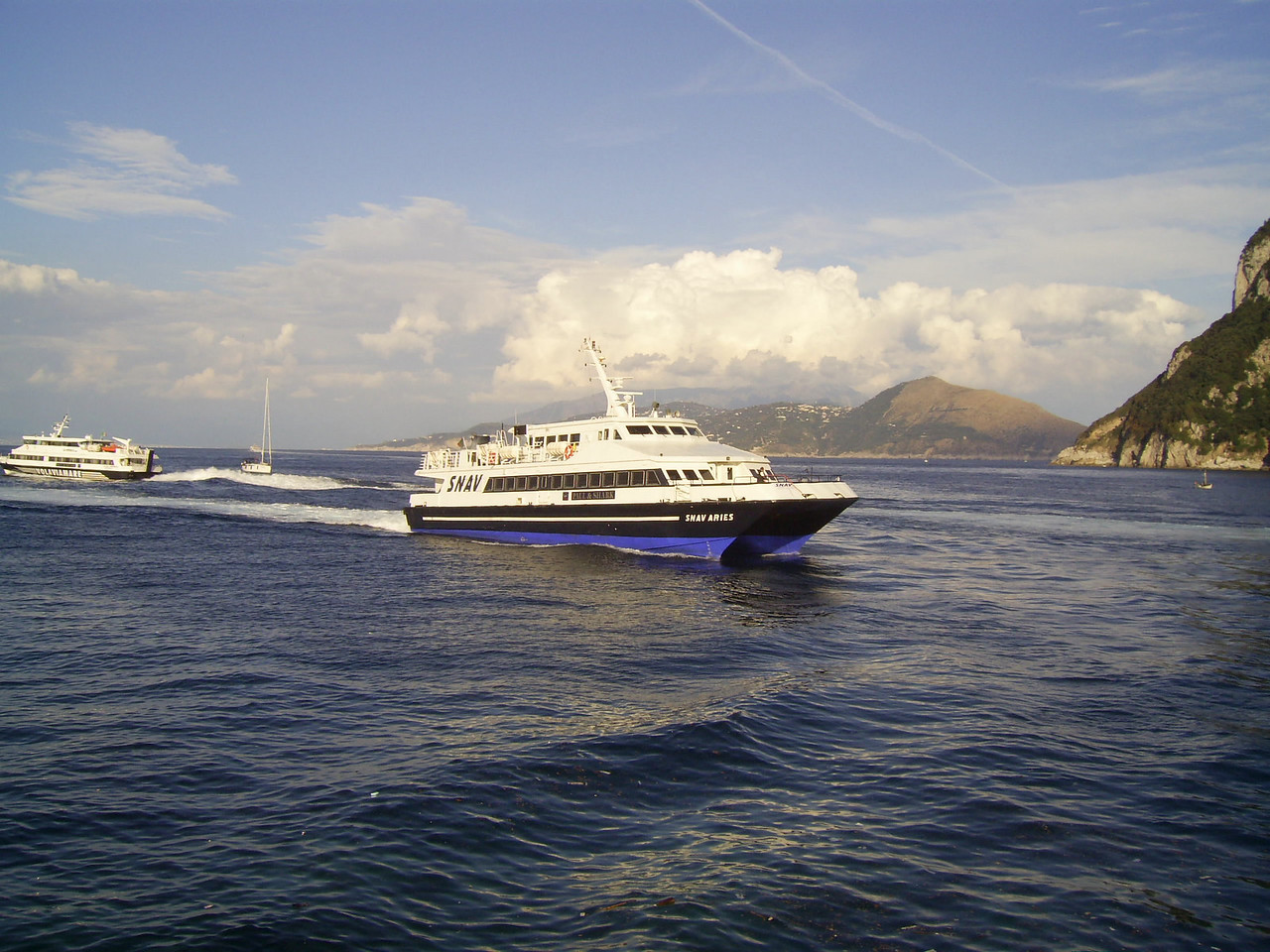 2007 - SNAV ARIES arriving to Capri.