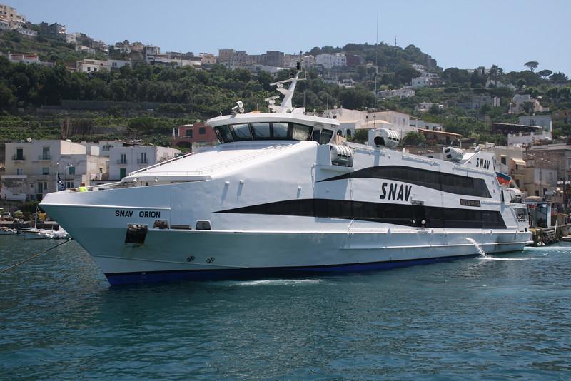 2008 - HSC SNAV ORION maneuvering in Capri.
