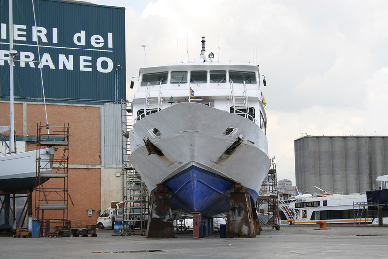 2011 - M/S SORRENTO JET in dry dock in Napoli.