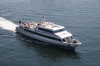 2009 - M/S SORRENTO JET arriving to Napoli.
