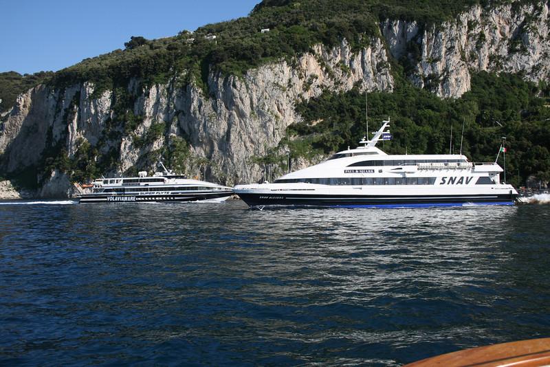 2011 - DSC SNAV ALCIONE crossing HSC SUPER FLYTE out of the port of Capri.