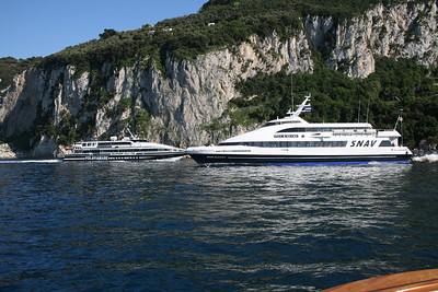 2011 - DSC SNAV ALCIONE crossing HSC SUPER FLYTE out of the port of Capri.