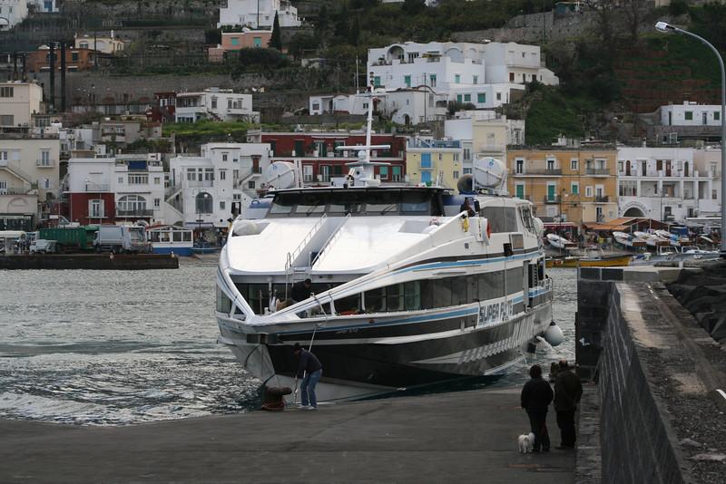 HSC SUPER FLYTE mooring in Capri.