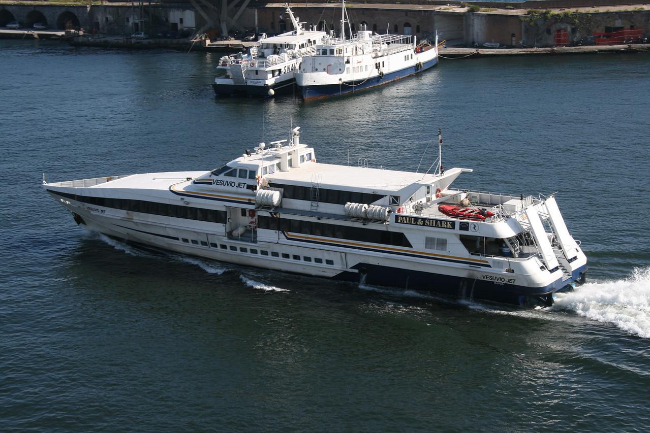 2009 - HSC VESUVIO JET departing from Napoli.