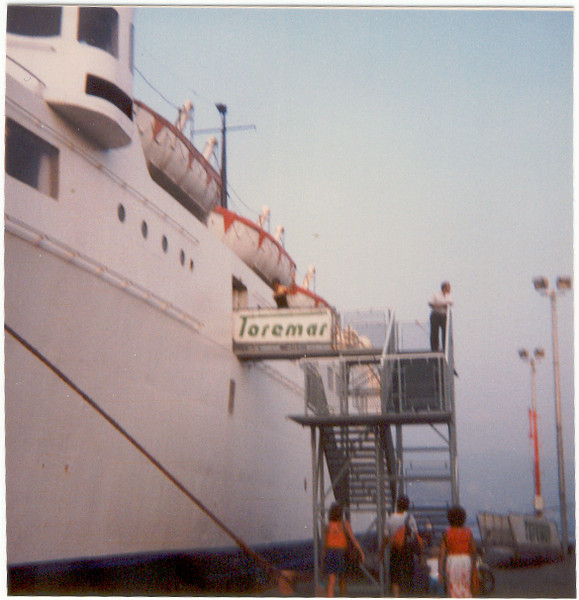 August 1986 : embarking on F/B CAPO BIANCO at Portoferraio on Elba island.