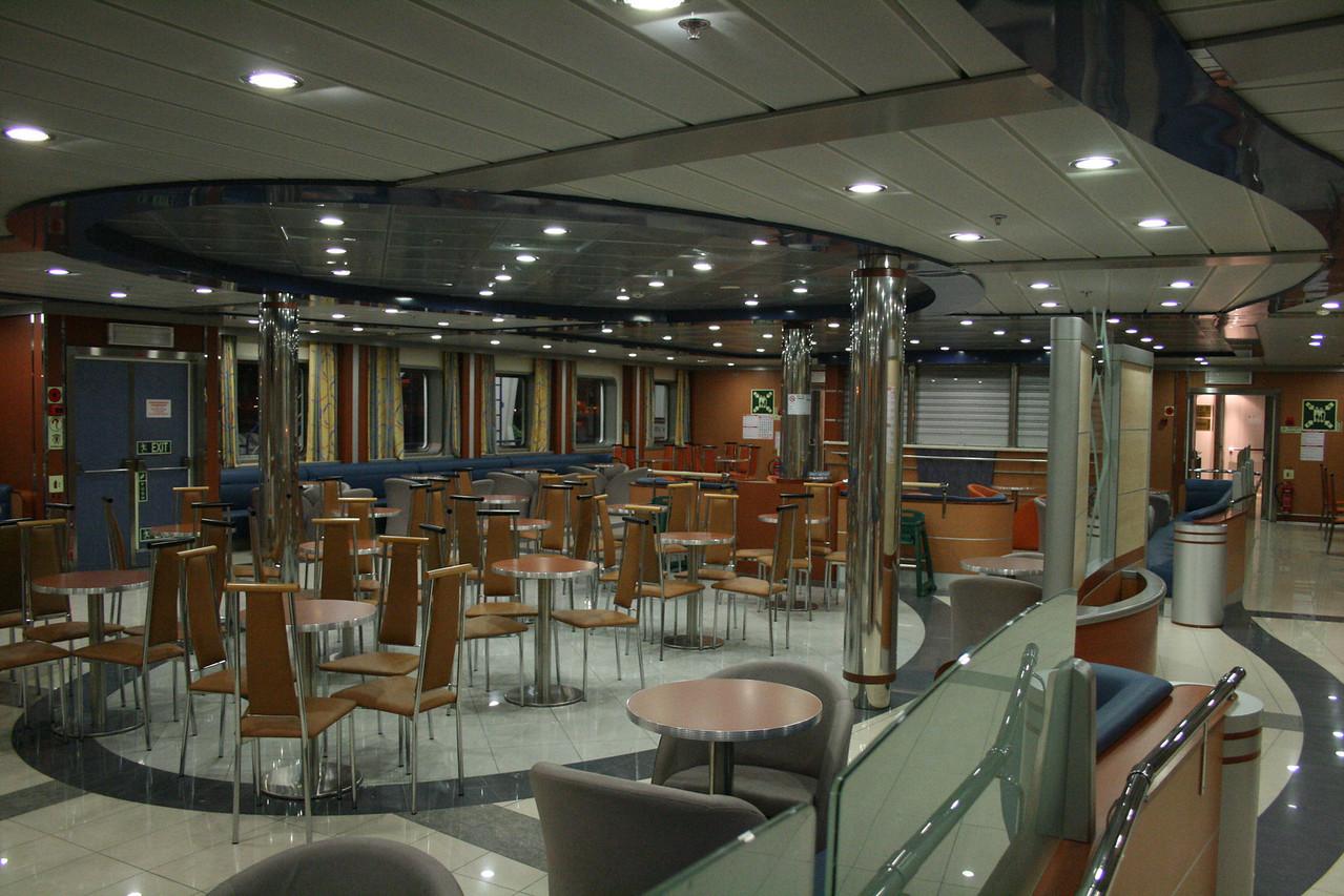 2009 - On board F/B CARTOUR GAMMA : passenger lounge.