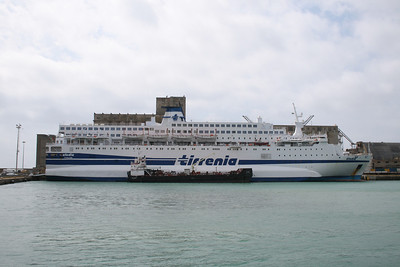 2008 - F/B CLODIA moored in Civitavecchia. Water supplying.