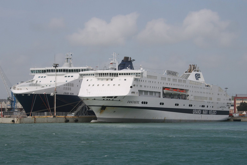 2008 - F/B FANTASTIC moored in Civitavecchia, next to CRUISE ROMA.