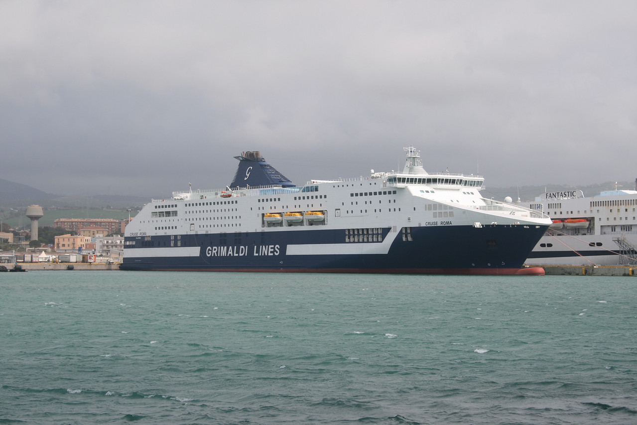 2008 - CRUISE ROMA moored in Civitavecchia.