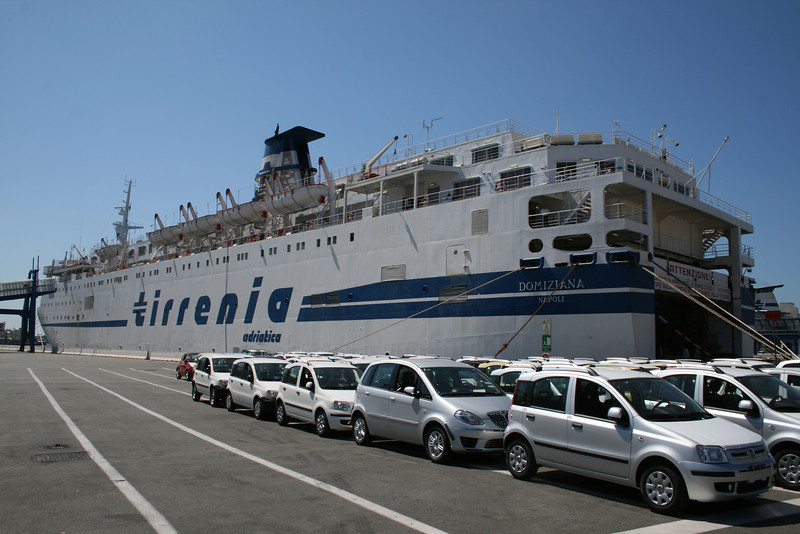 F/B DOMIZIANA in Genova. Cars waiting to embark.