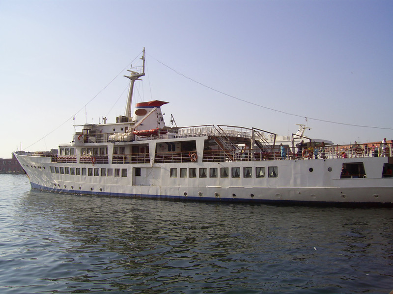 2010 - F/B FALERNO embarking in Napoli.