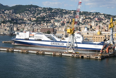 2010 - F/B FORZA in Genova : the new ship is almost ready.