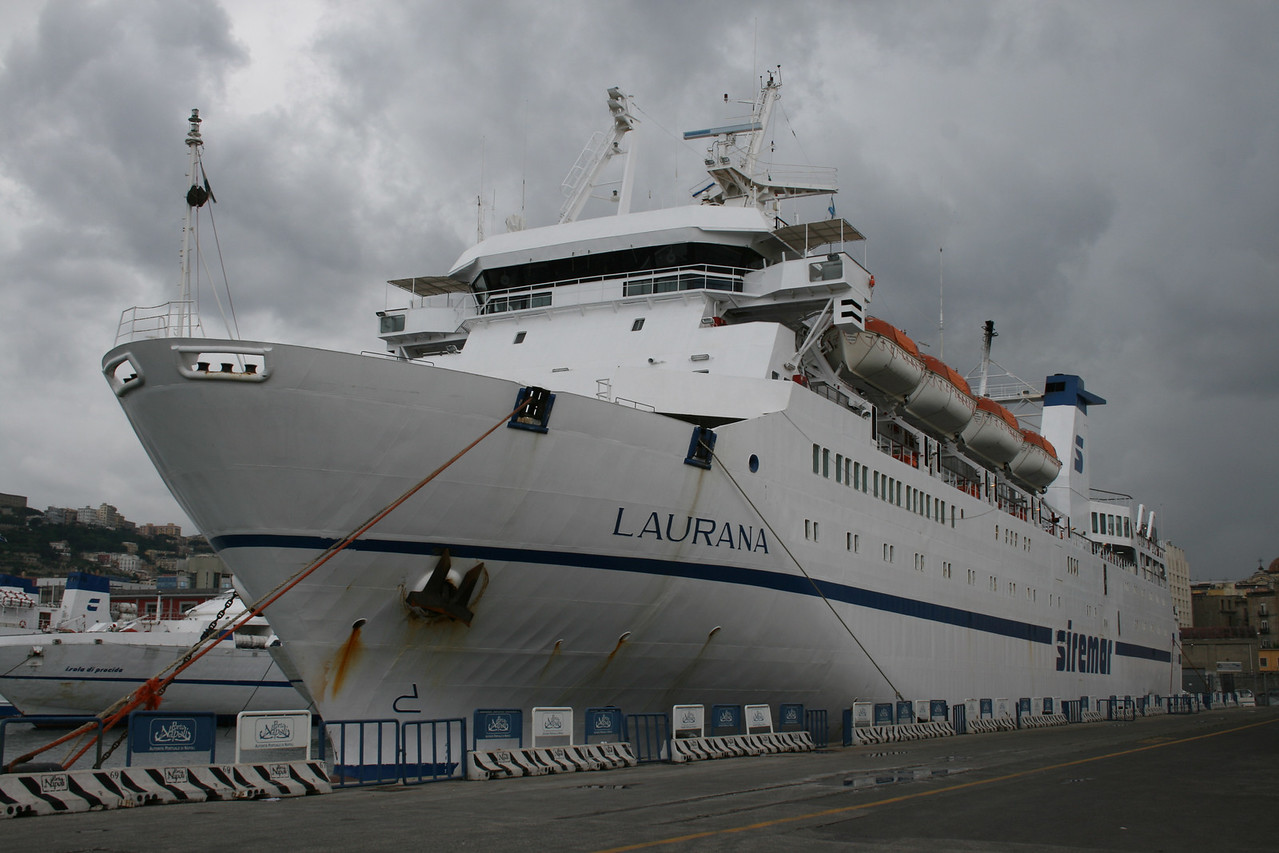 2008 - F/B LAURANA in Napoli.