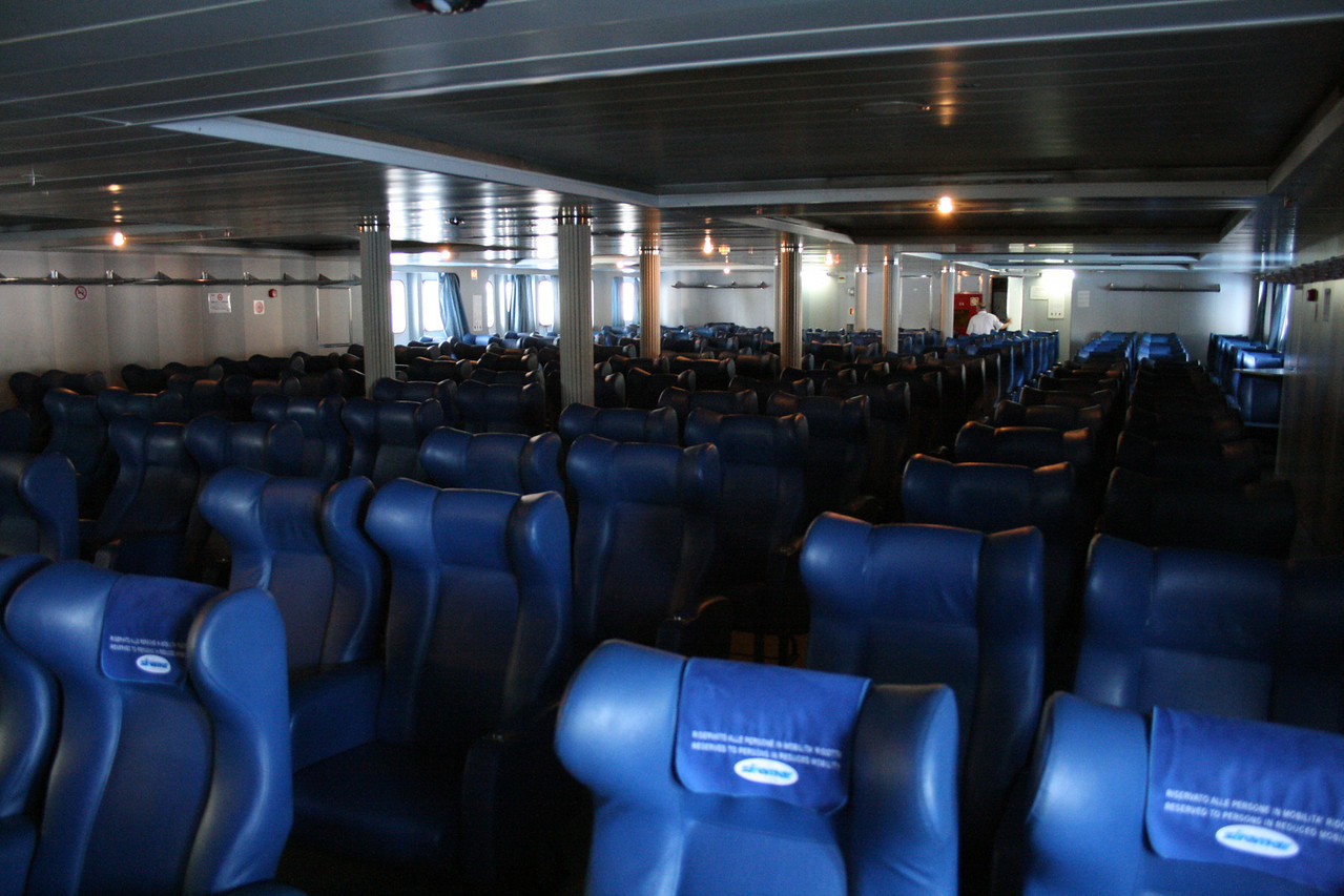 2009 - On board LAURANA : seats, deck 7.