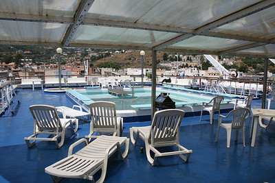 2009 - On board LAURANA : swimming pool, deck 8.