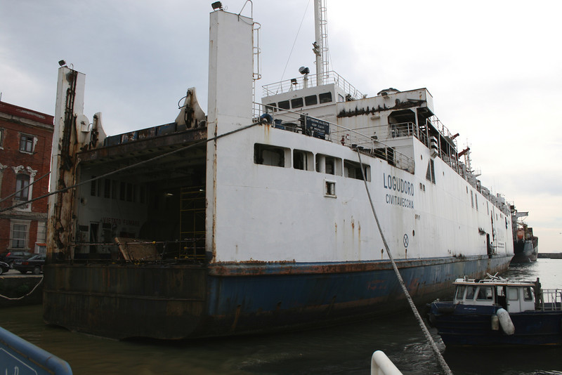 2011 - Works on trainferry LOGUDORO in Napoli.