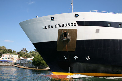 2008 - LORA D'ABUNDO departing from Ischia.