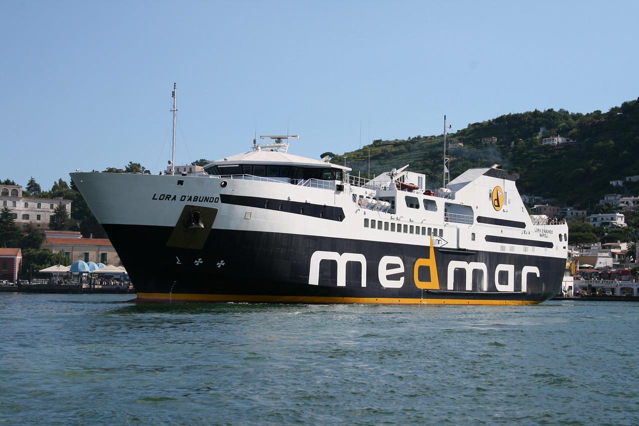 2008 - LORA D'ABUNDO maneuvering in Ischia