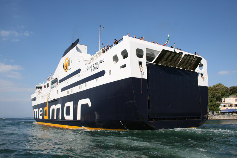 2008 - LORA D'ABUNDO departing from Ischia.