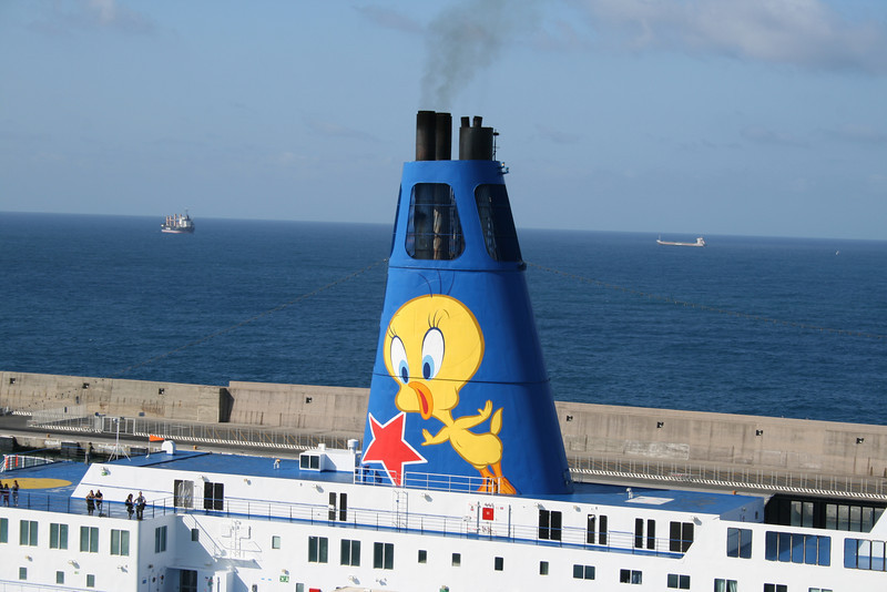 2011 - MOBY CORSE departing from Civitavecchia to Olbia : the funnel.