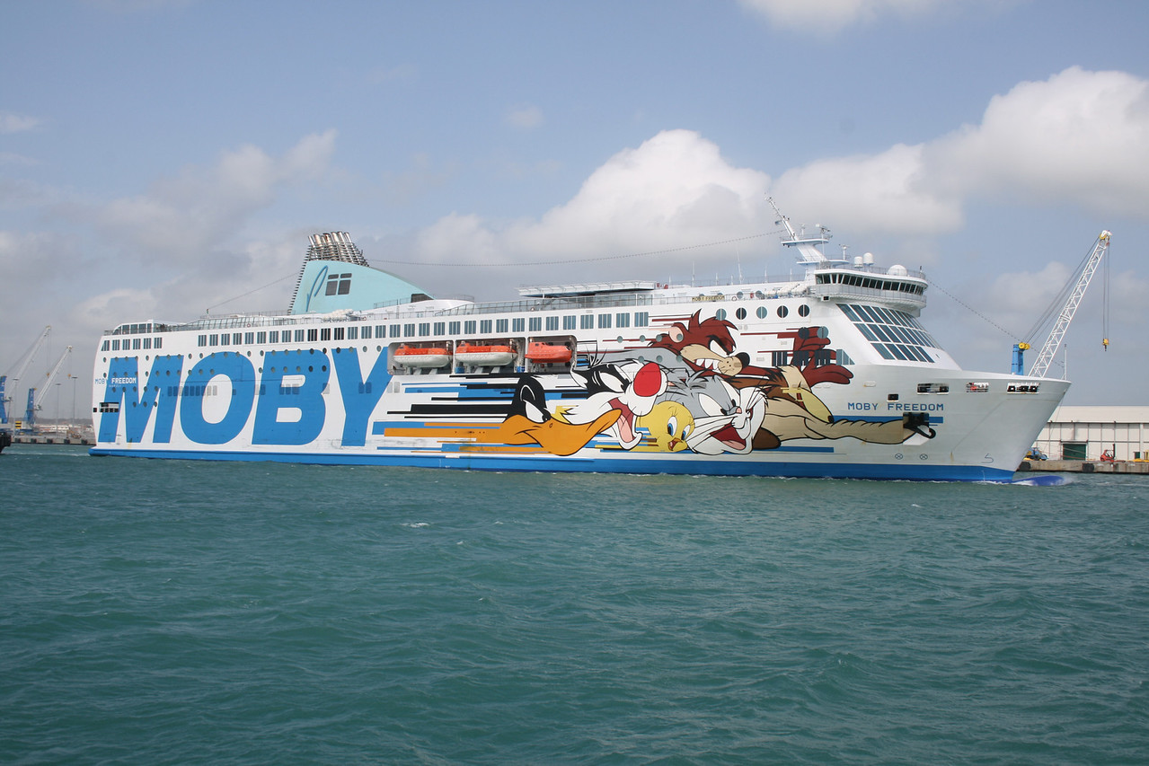 2008 - F/B MOBY FREEDOM arriving to Civitavecchia.