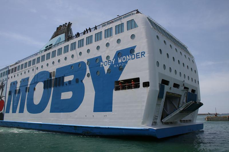 2008 - F/B MOBY WONDER arriving to Civitavecchia.
