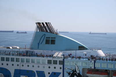 2010 - F/B MOBY WONDER departing from Civitavecchia, funnel.