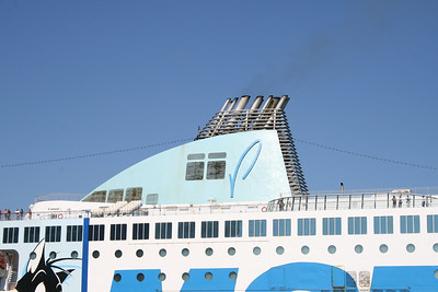 2011 - F/B MOBY WONDER departing from Civitavecchia, funnel.