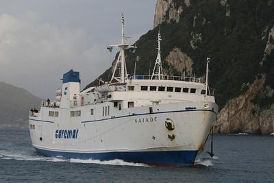 2010 - F/B NAIADE arriving to Capri.
