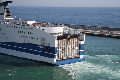2010 - F/B NURAGHES arriving to Civitavecchia.