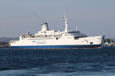 2009 - Trainferry ROSALIA arriving to Messina.