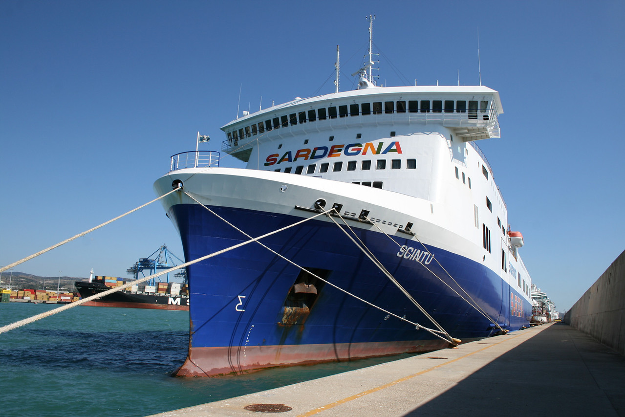 2011 - F/B SCINTU laid up in Civitavecchia after a summer on route to Golfo Aranci.