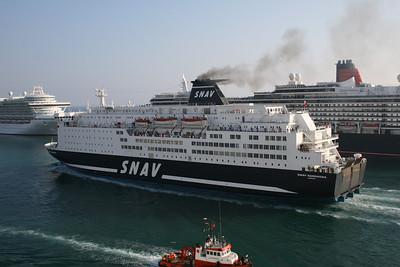 2009 - F/B SNAV SARDEGNA arriving to Civitavecchia.