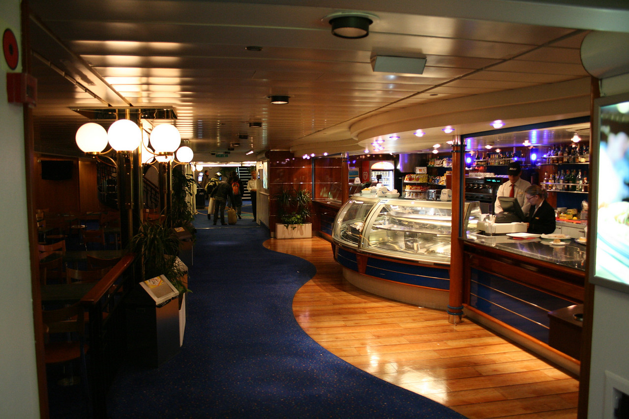 2008 - On board F/B SNAV TOSCANA : the bar.