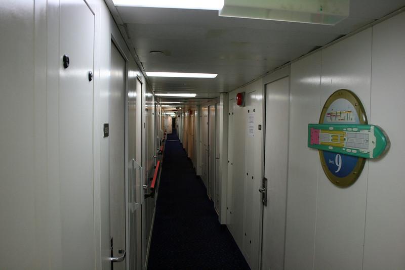 2008 - On board F/B SNAV TOSCANA : cabin corridor.