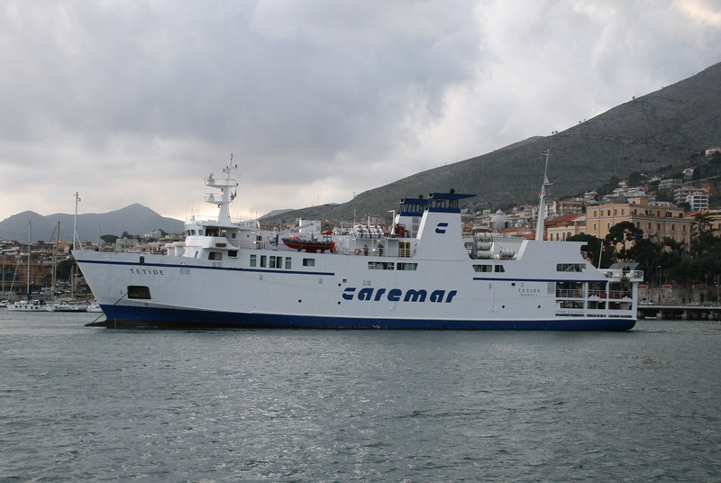 2008 - F/B TETIDE arriving to Formia.