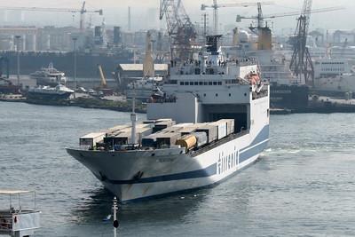 2009 - F/B TOSCANA maneuvering in Napoli.