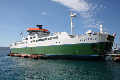 2010 - VESTFOLD disembarking in Villa San Giovanni.