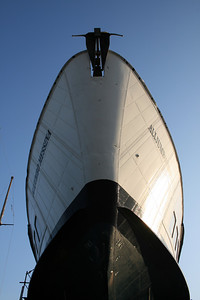 Hydrofoil ALIJUMBO MESSINA hauled in Messina. The bow seen from below.