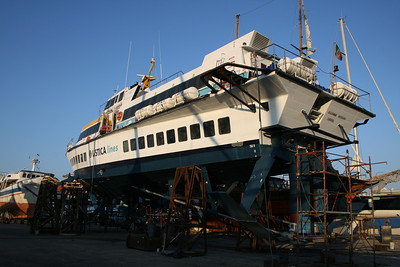 Hydrofoil ALIJUMBO MESSINA hauled in Messina.