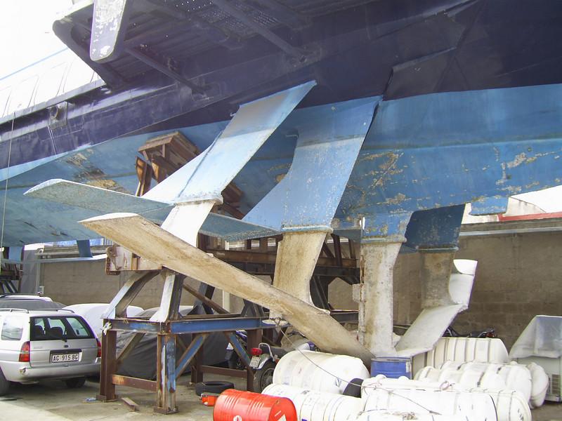 Kolkhida type hydrofoil ALIKENIA laid up and hauled in Napoli. Front wings.