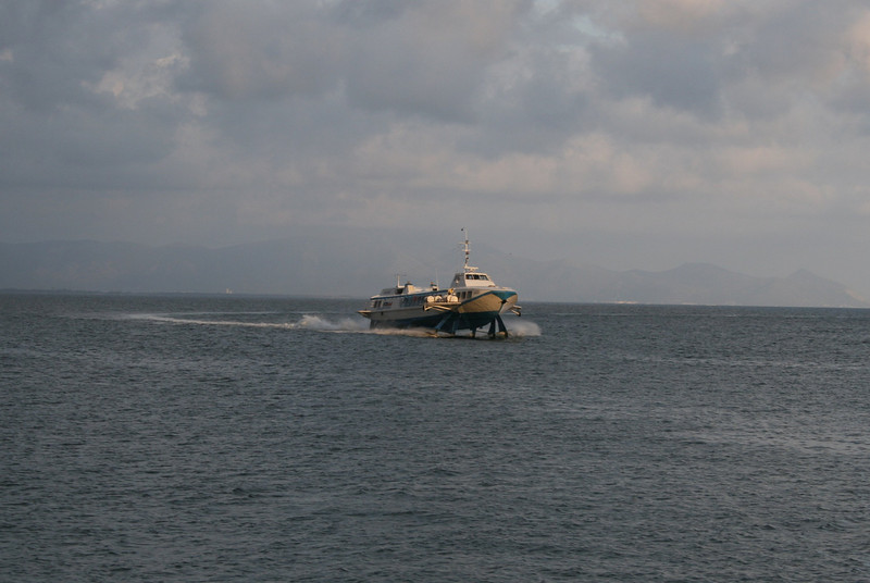 Hydrofoil GABRI arriving to Formia from Ponza.