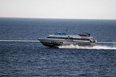 2010 - Hydrofoil NATALIE M speeding up in the strait of Messina.