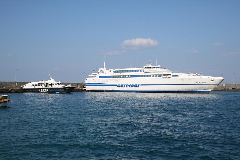 2008 - Hydrofoil PANAREA and HSC ISOLA DI PROCIDA in Capri.