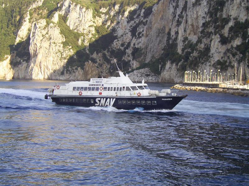 2007 - Hydrofoil PANAREA arriving to Capri.