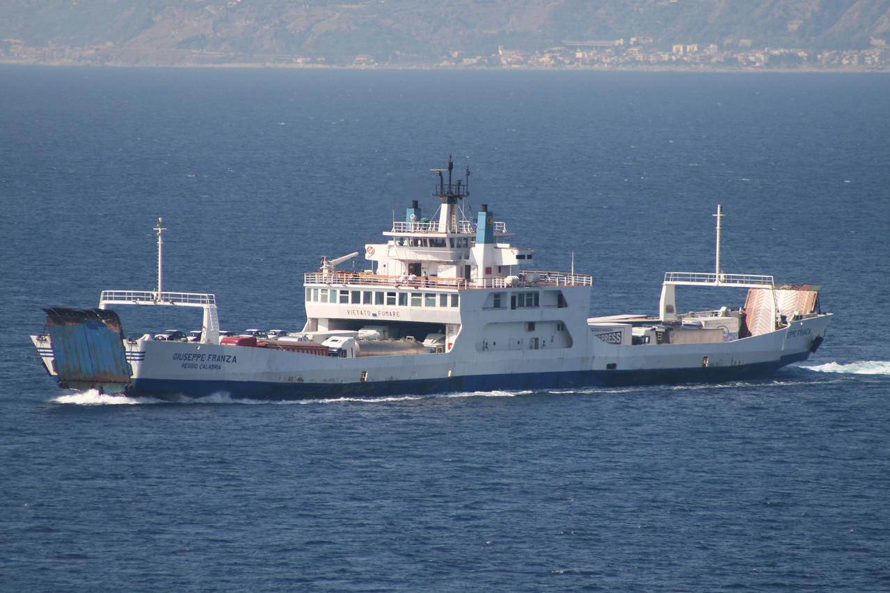 2009 - F/B GIUSEPPE FRANZA sailing from Villa San Giovanni to Messina.