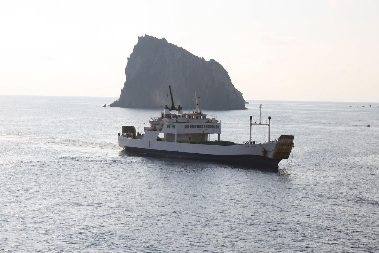 F/B GREEN LIPARI arriving in Panarea to carry away garbage.