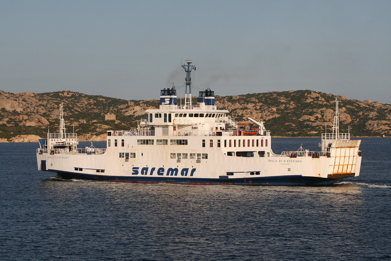 2008 - F/B ISOLA DI S.STEFANO sailing from Palau to La Maddalena.