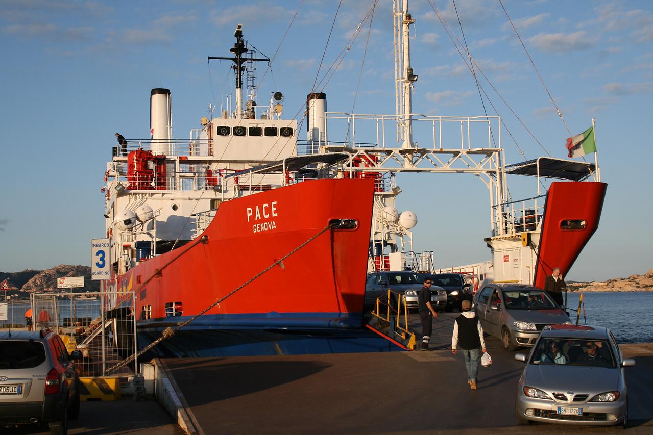 2008 - F/B PACE disembarking in Palau